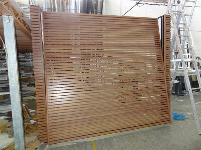 Famosos Portão Basculante cor madeira :: Comercial Alumínia - Esquadrias  IV77